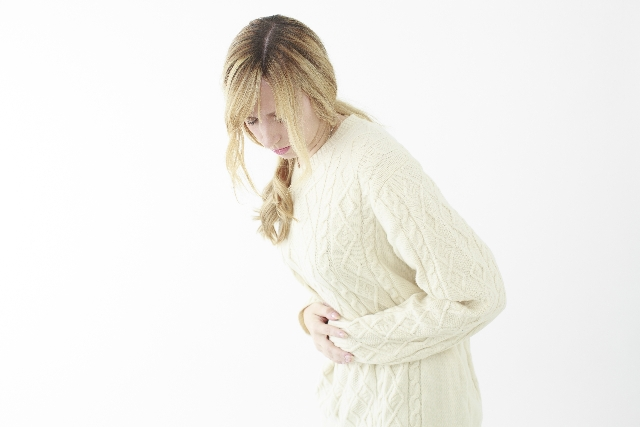 【生理痛対策!】生理痛和らげるアロマ温湿布!おすすめ精油の効果